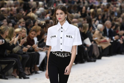 Kaia-Gerber-fille-Cindy-Crawford-egerie-Chaneldu-defile-Grand-Palais-Paris-2-octobre-2018_2_728_486