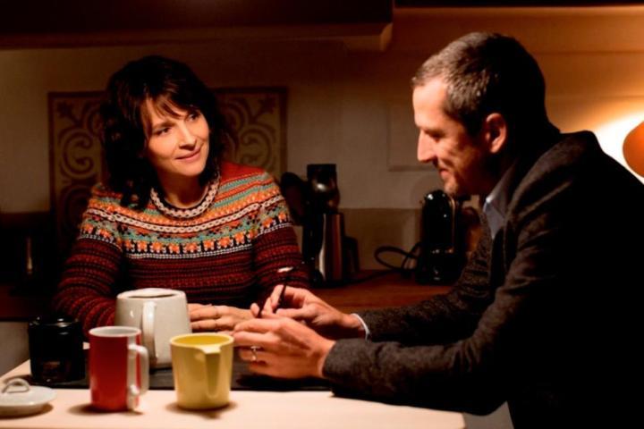 "Cine francés en México | De gatopardos, crisis e infidelidades: las ""Dobles vidas"" de OlivierAssayas"
