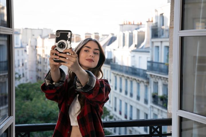Estos son los clichés de 'Emily in Paris' que enfurecieron a losparisinos